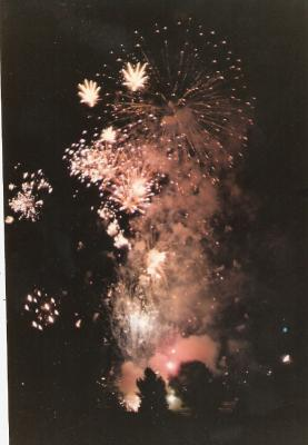 20061016144103-fuegos-artificiales.jpg