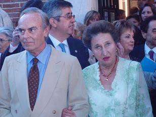 Jugando en corto: Los distinguidos por Unicef se fotografían con los duques de Soria en los jardines de Lázaro Galdiano
