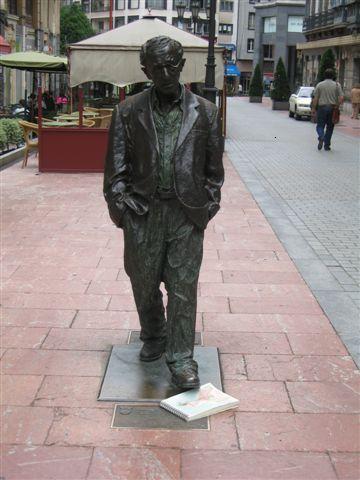 Jugando en corto: Woody Allen y yo coincidimos en Oviedo
